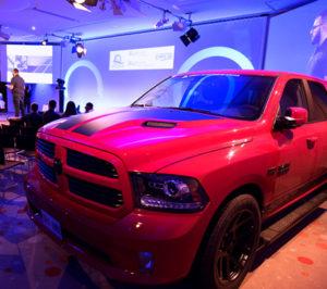 Votre exposition de voiture aux salons de l'aveyron grâce à notre rampe d'accès véhicules,