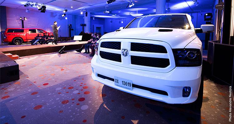 exposition de véhicules par le groupe O